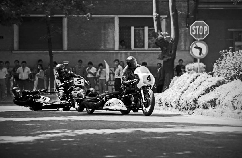 Cursa la clasa Sidecar pe circuitul stradal din Oradea