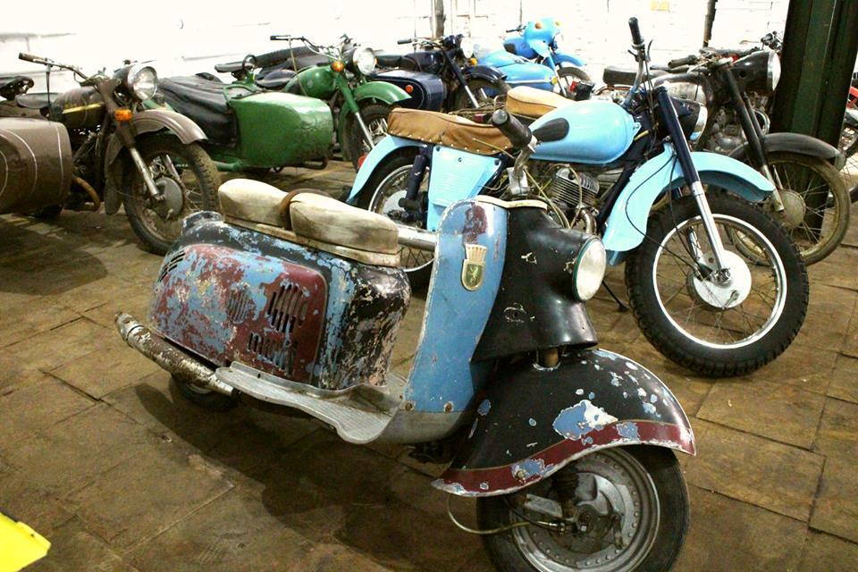 motociclete cu atas