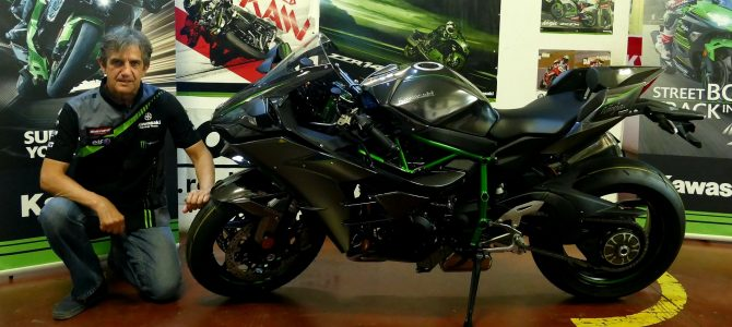 Kawasaki Ninja H2 Carbon – pregătire de livrare (Unboxing)