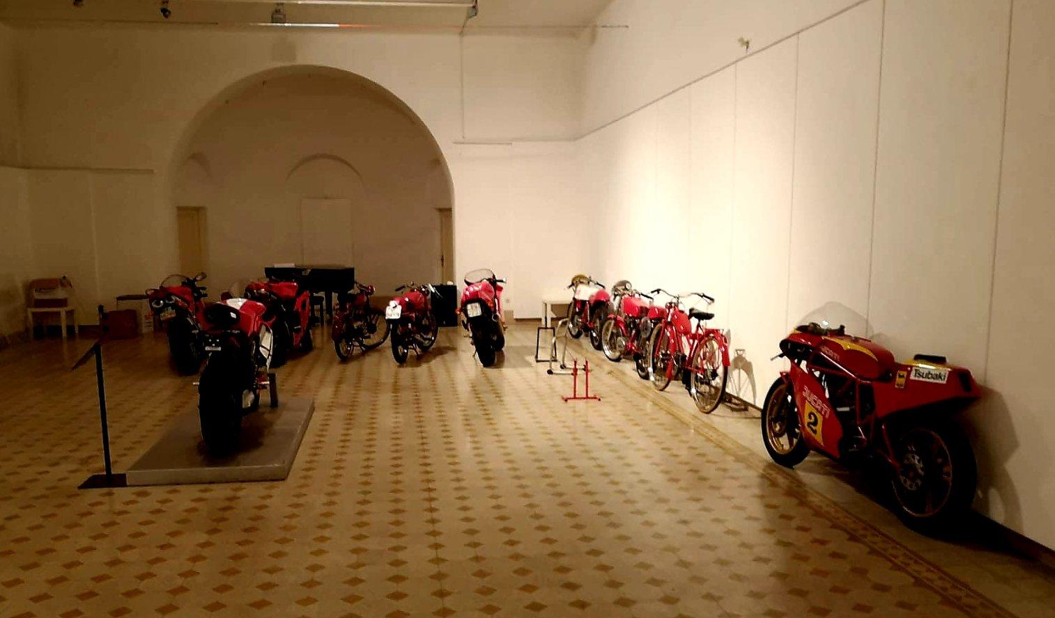 Accademia di Romania - 95 de ani de motociclism în România