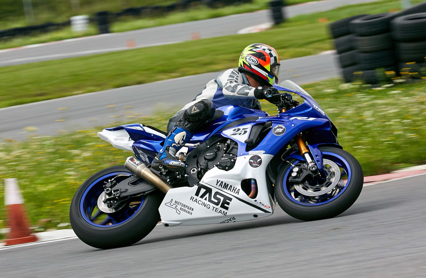 Yamaha YZF-R1 modificata