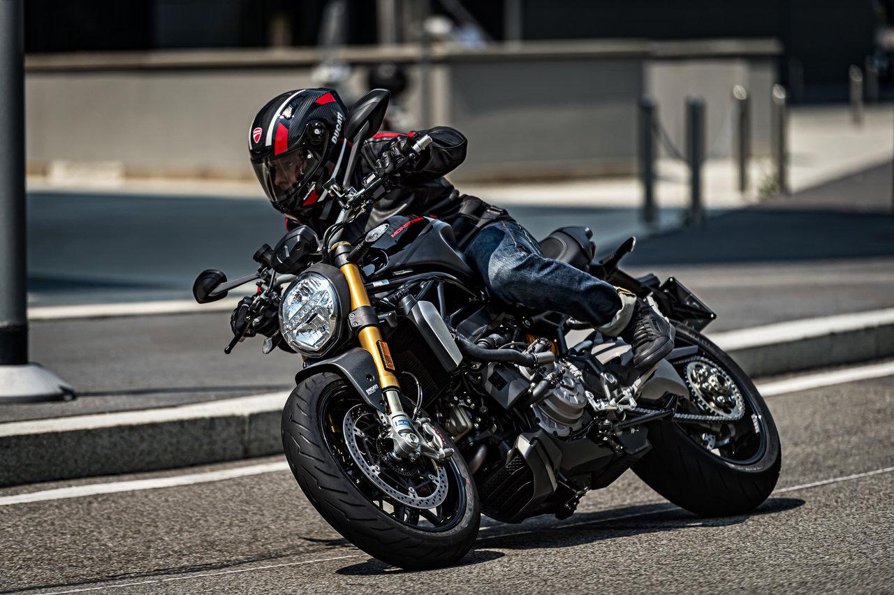 Monster 1200 S black on black