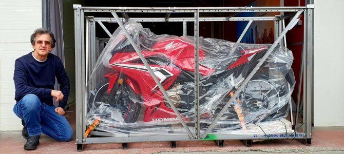 Honda CBR 500R – pregătire de livrare (Unboxing)