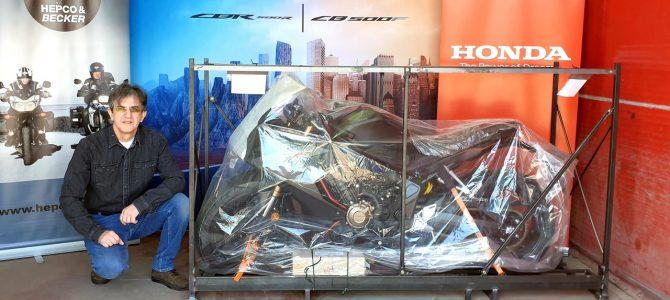 Honda CBR 650 R – pregătire de livrare (Unboxing)