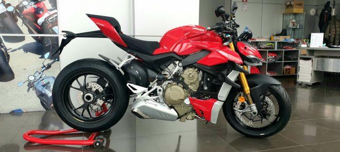 Ducati Streetfighter V4S a ajuns la magazinul importatorului din București