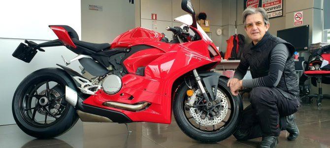 Noul Panigale V2 a ajuns la magazinul din București al importatorului Ducati
