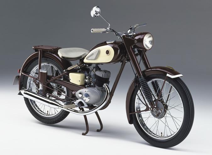 Yamaha 65 de ani