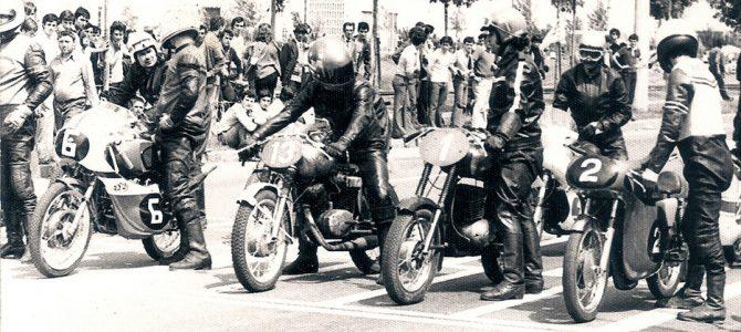 Cu motor Yamaha pe cadru Honda – 30 ani de la prima cursă la Arcul de Triumf