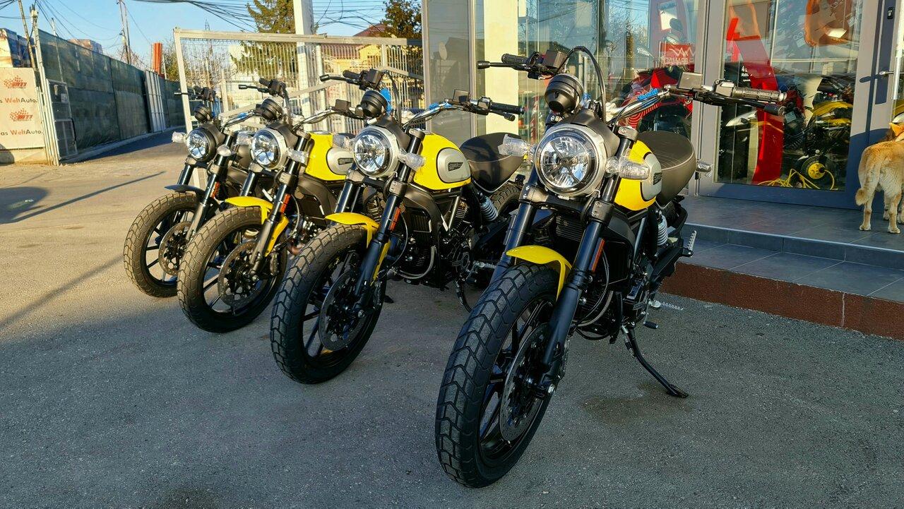 Yellow Friday la Ducati