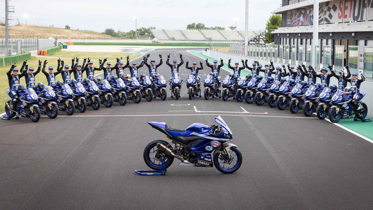 Yamaha R3 bLU cRU 2021