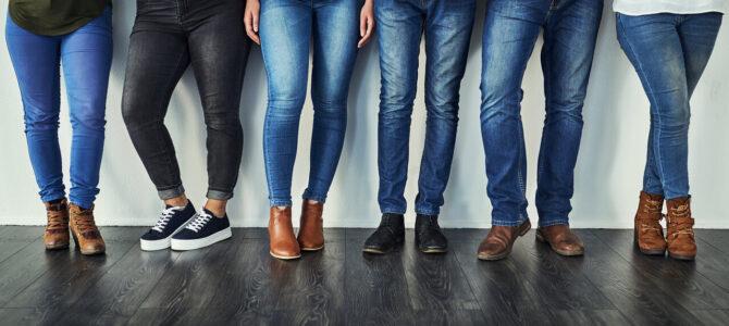 Noile modele de jeans moto din colecția de echipamente Motor Team