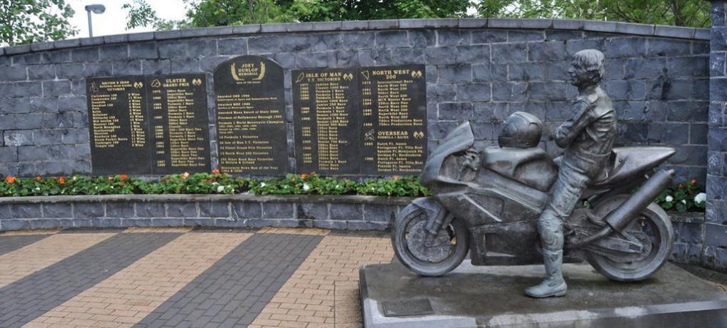 Joey Dunlop – Povestea marelui campion irlandez şi de ce ar trebui ca noi, românii, să-i fim recunoscători – O zi tristă de iulie